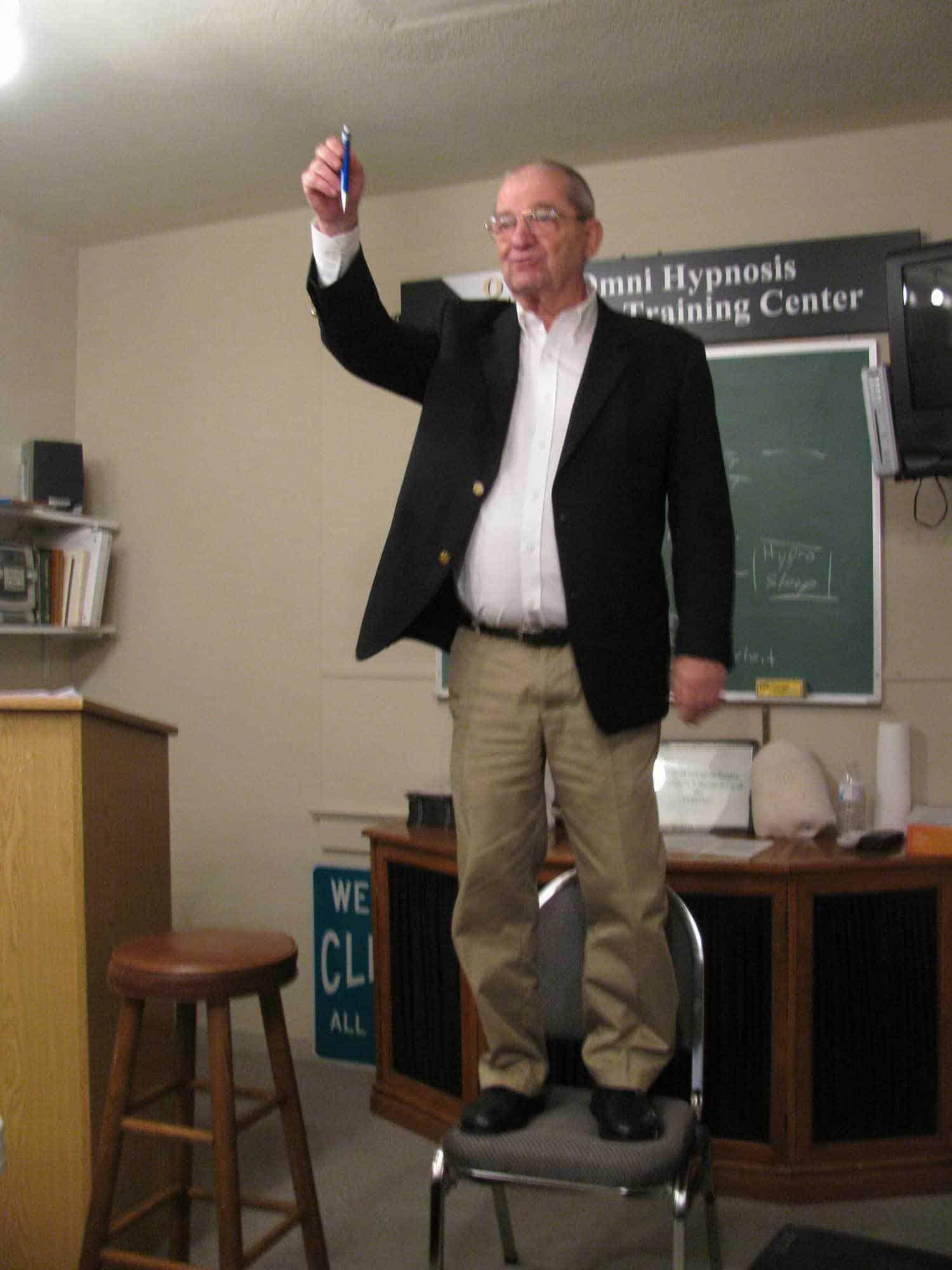 Jerry zeigt im Unterricht immer vollen Einsatz - Mr Hypnosis: Gerald Kein in Berlin und Zürich